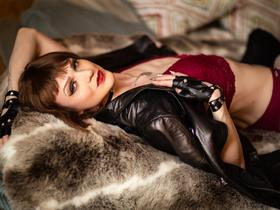 I like to spend my free time here. Living on the camera I feel myself. My secret desires are revealed and I relax here. My hobby is broadcasting my face and discovering more and more new acquaintances, similar interests and of course pleasure from erotic games